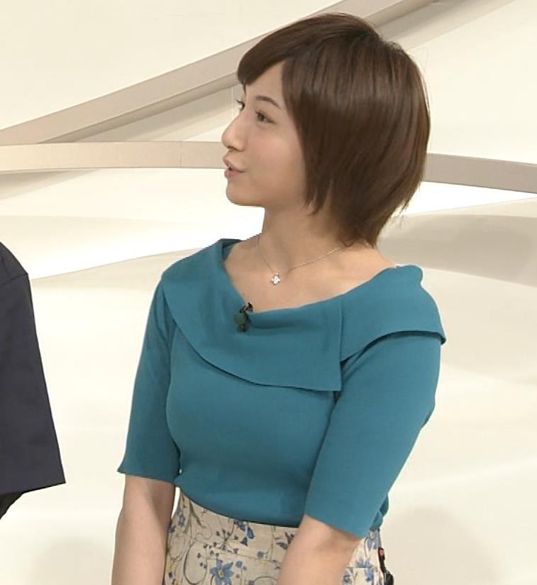 市來玲奈アナ おっぱいアピールの衣装キャプ・エロ画像5