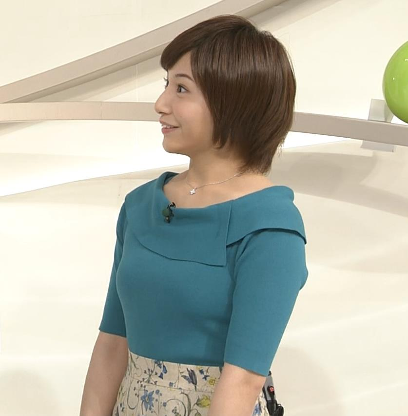 市來玲奈アナ おっぱいアピールの衣装キャプ・エロ画像6