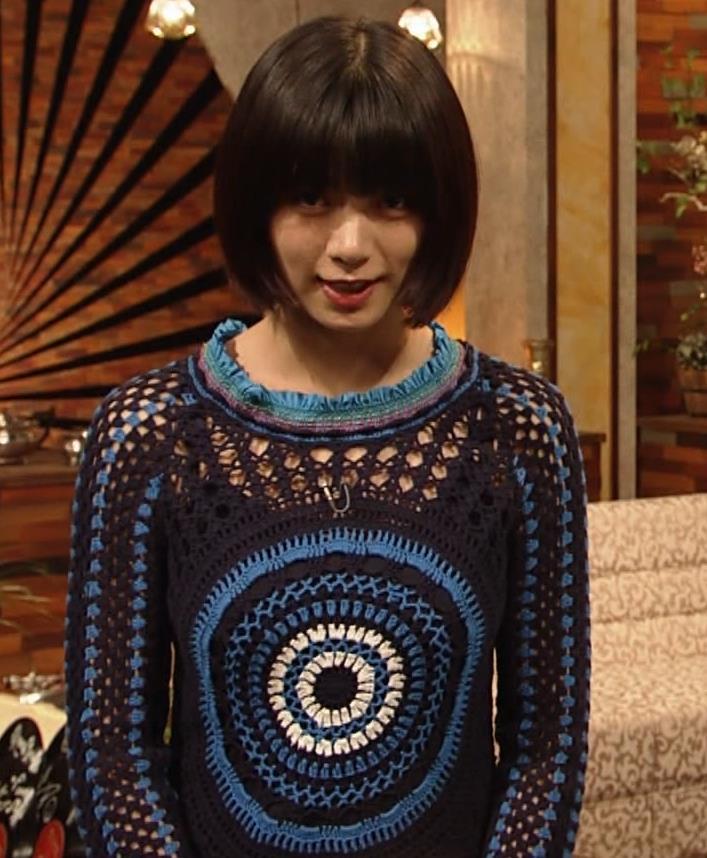 池田エライザ NHKでも体のラインがでるエロい衣装キャプ・エロ画像4