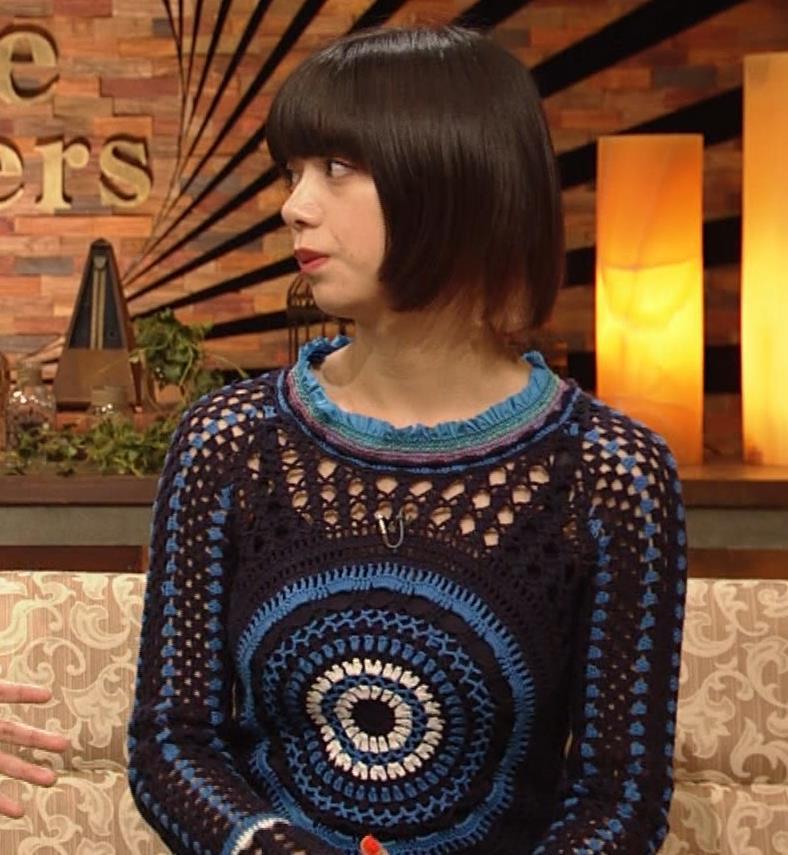 池田エライザ NHKでも体のラインがでるエロい衣装キャプ・エロ画像8