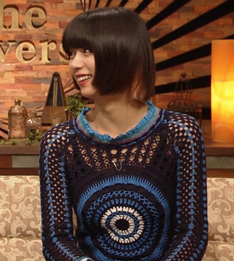 池田エライザ NHKでも体のラインがでるエロい衣装キャプ・エロ画像9