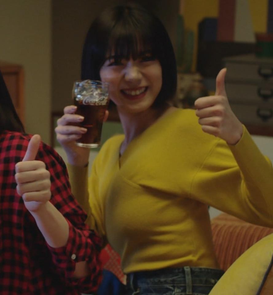 池田エライザ 着衣横乳キャプ・エロ画像4