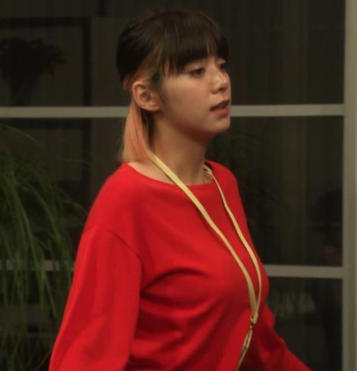 池田エライザ ゆったりした服でもエロいおっぱいキャプ画像(エロ・アイコラ画像)