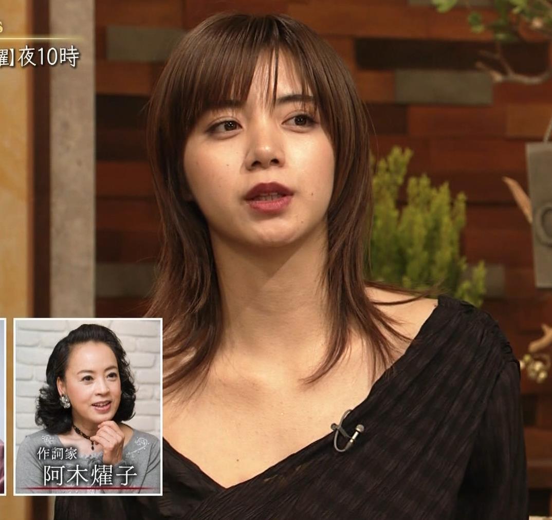 池田エライザ NHKでもエロい衣装。しぐさもエロいキャプ・エロ画像15