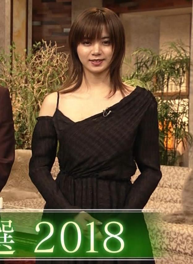 池田エライザ NHKでもエロい衣装。しぐさもエロいキャプ・エロ画像5