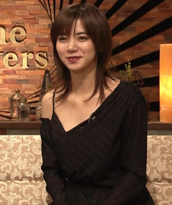 池田エライザ NHKでもエロい衣装。しぐさもエロいキャプ・エロ画像7