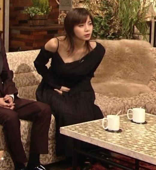 池田エライザ NHKでもエロい衣装。しぐさもエロいキャプ画像(エロ・アイコラ画像)