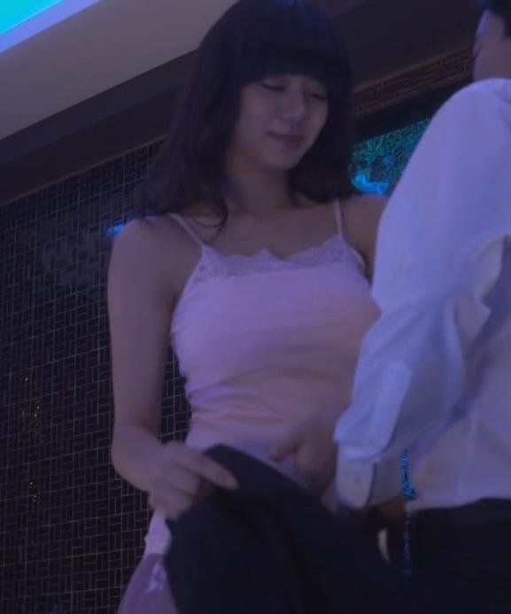 池田エライザ ラブホのエロシーンキャプ・エロ画像3