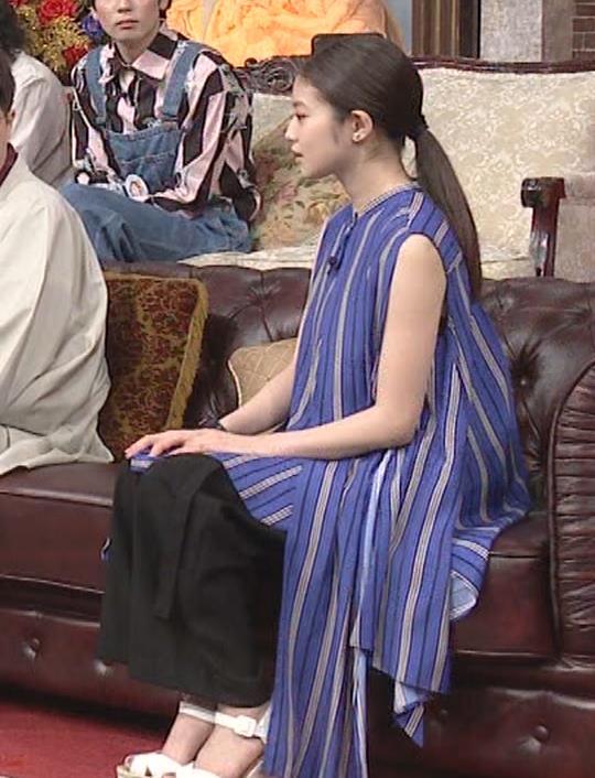 今田美桜 ノースリーブ姿キャプ・エロ画像8