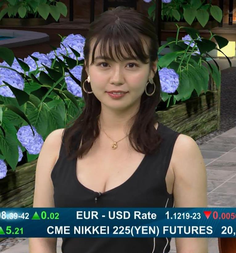 井口綾子 史上最高にエロい経済番組キャプ・エロ画像9