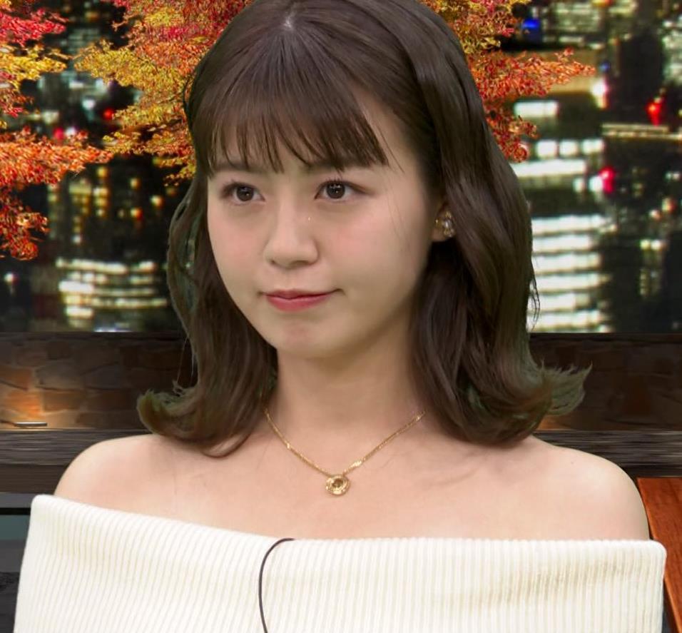 井口綾子 なんだこのエロ衣装は…キャプ・エロ画像