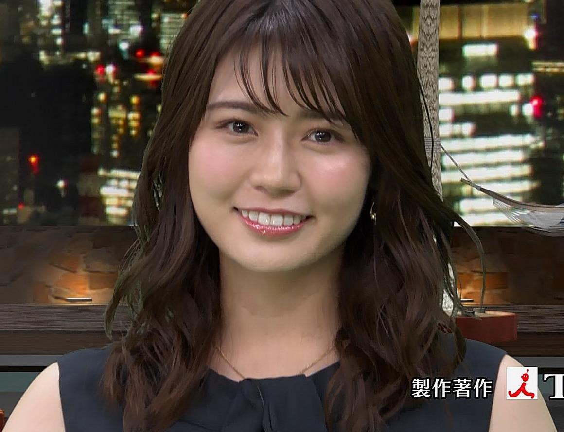 井口綾子 脚を組んで太ももが露わになってすごくエロいキャプ・エロ画像5