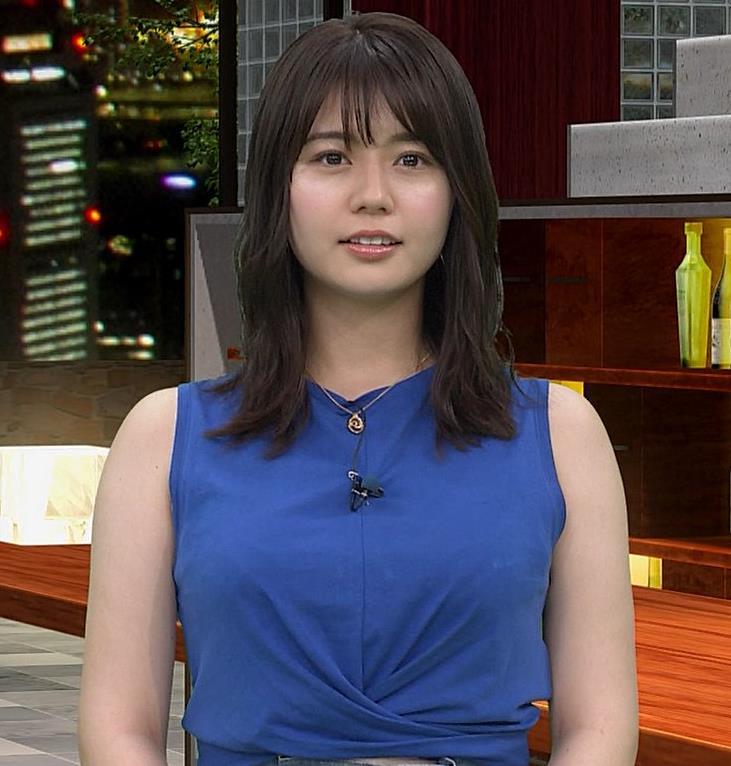井口綾子 ノースリーブ横乳がすごいキャプ・エロ画像