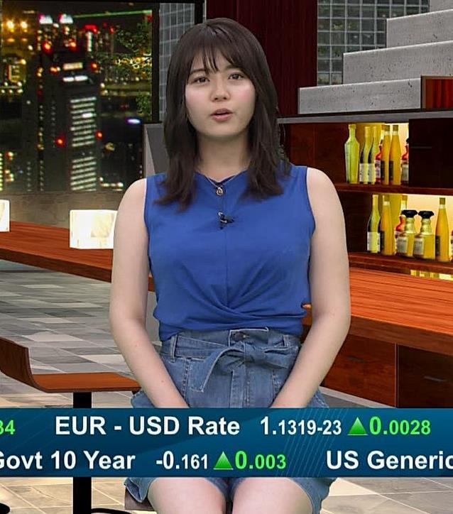 井口綾子 ノースリーブ横乳がすごいキャプ・エロ画像5