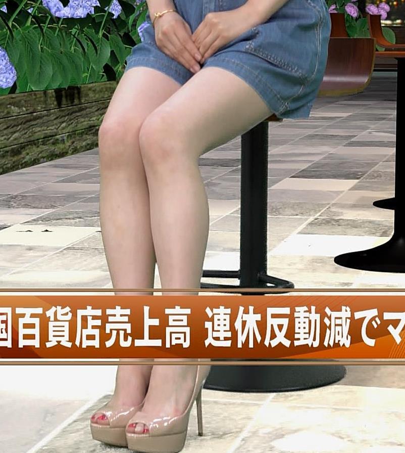 井口綾子 ノースリーブ横乳がすごいキャプ・エロ画像6