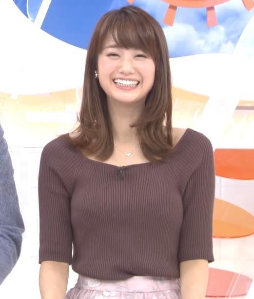 井上清華アナ ニットおっぱいキャプ・エロ画像2