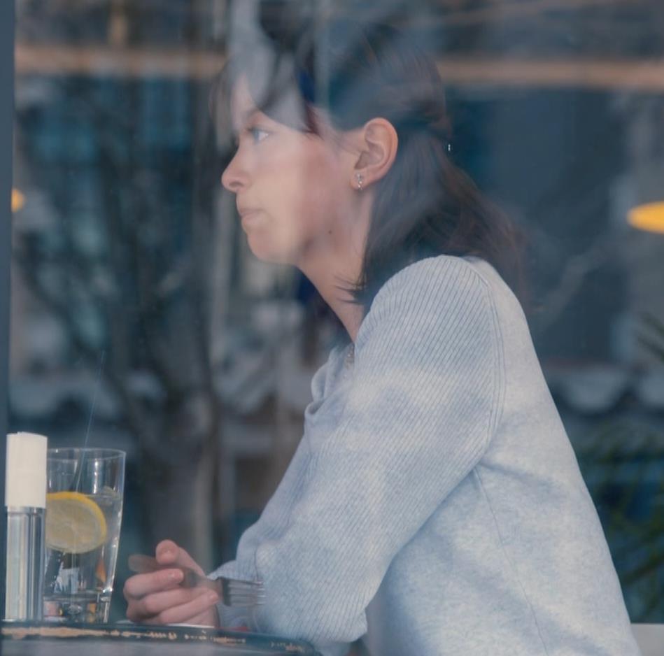 石橋杏奈 Dカップ以上かな?ニット横乳★キャプ・エロ画像2