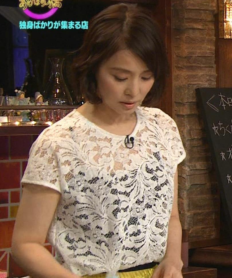 石田ゆり子 スケスケ衣装キャプ・エロ画像2