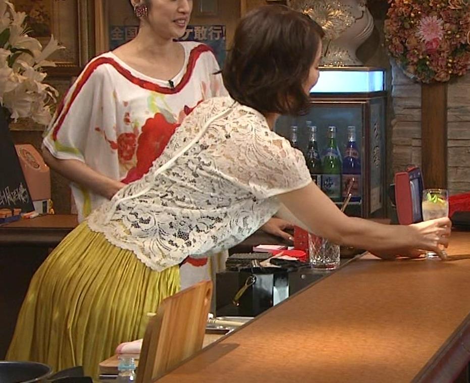 石田ゆり子 スケスケ衣装キャプ・エロ画像4