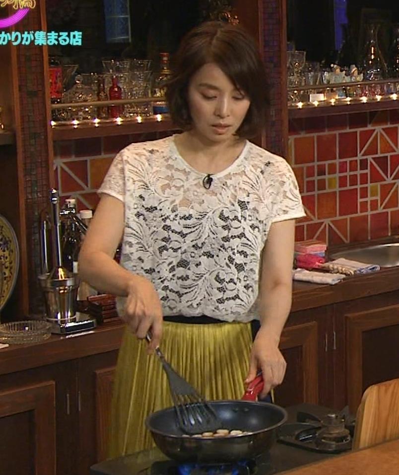 石田ゆり子 スケスケ衣装キャプ・エロ画像8