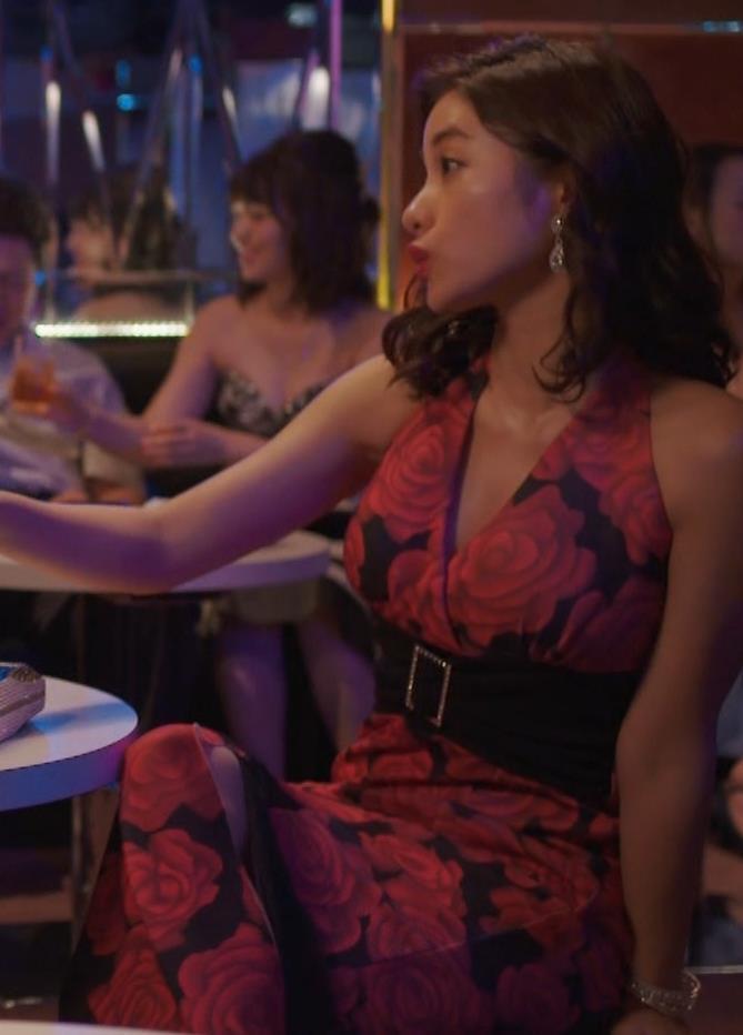 石原さとみ ドラマでの胸の谷間チラ「高嶺の花」(GIFあり)キャプ・エロ画像14