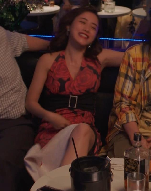 石原さとみ ドラマでの胸の谷間チラ「高嶺の花」(GIFあり)キャプ・エロ画像21