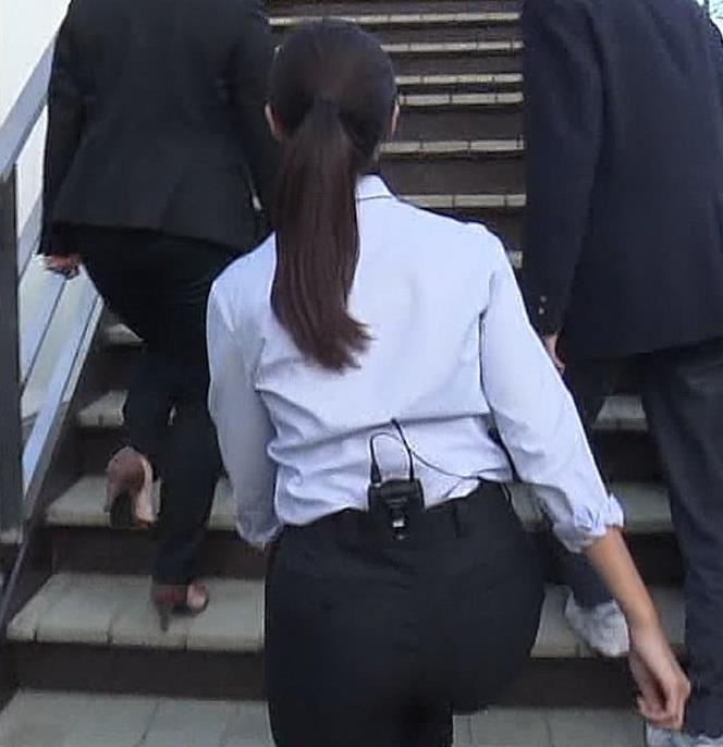岩本乃蒼アナ プリケツや横乳とかキャプ・エロ画像4