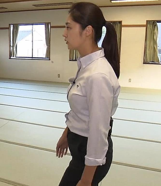 岩本乃蒼アナ プリケツや横乳とかキャプ・エロ画像5