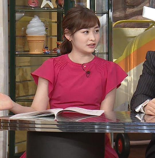 岩田絵里奈アナ ノースリーブでワキチラキャプ・エロ画像10