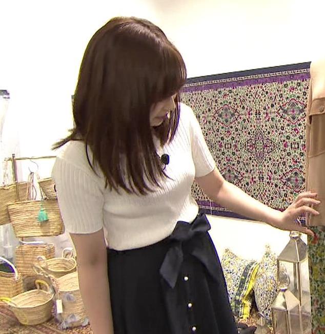 岩田絵里奈アナ エロいニット微乳キャプ・エロ画像2