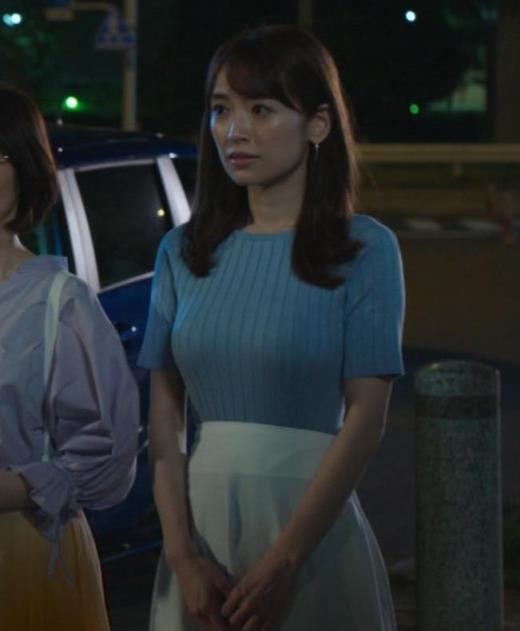 泉里香 保険CMのニットおっぱいエロ過ぎキャプ画像(エロ・アイコラ画像)