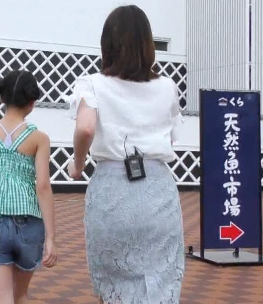 角谷暁子アナ タイトなスカートのお尻キャプ・エロ画像4
