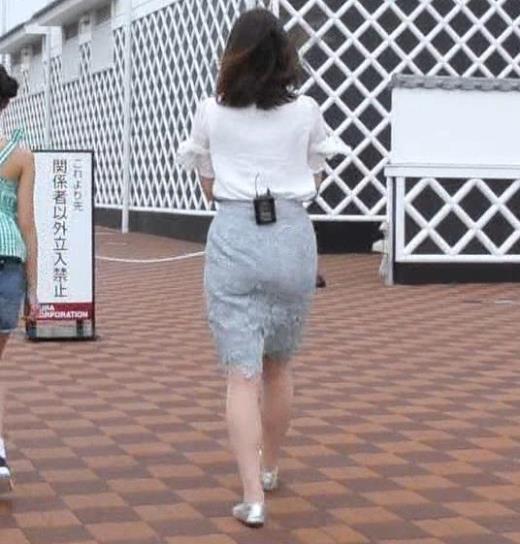 角谷暁子 タイトなスカートのお尻キャプ画像(エロ・アイコラ画像)
