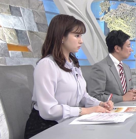 角谷暁子アナ 突き出したデカい横乳キャプ・エロ画像5