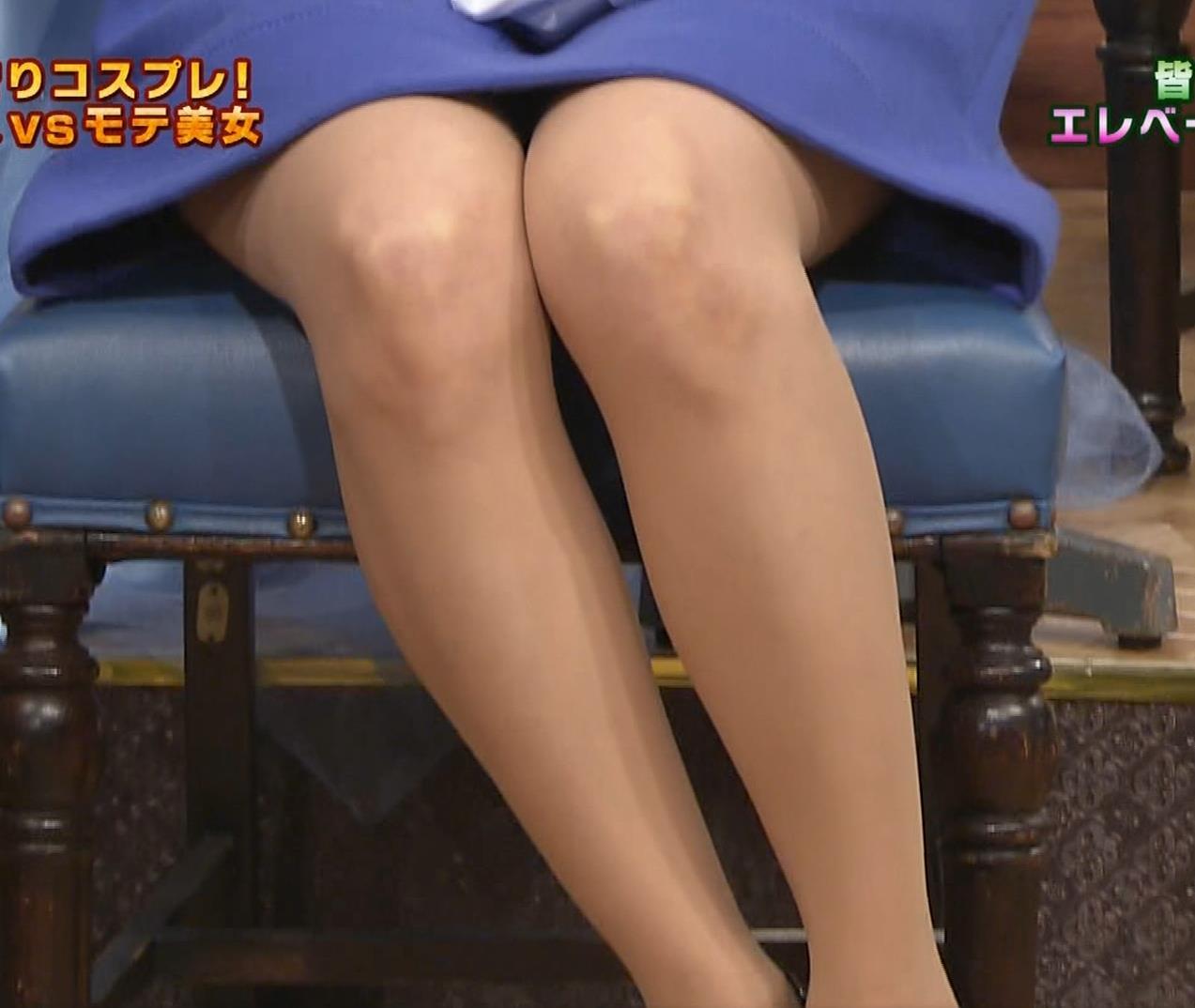 皆藤愛子 ミニスカートの中をアップで撮られるキャプ・エロ画像2