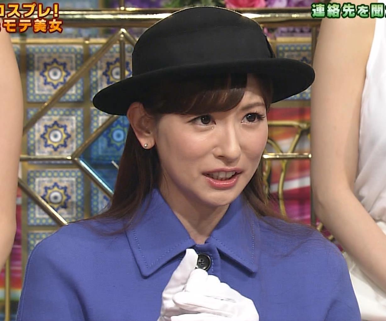 皆藤愛子 ミニスカートの中をアップで撮られるキャプ・エロ画像11