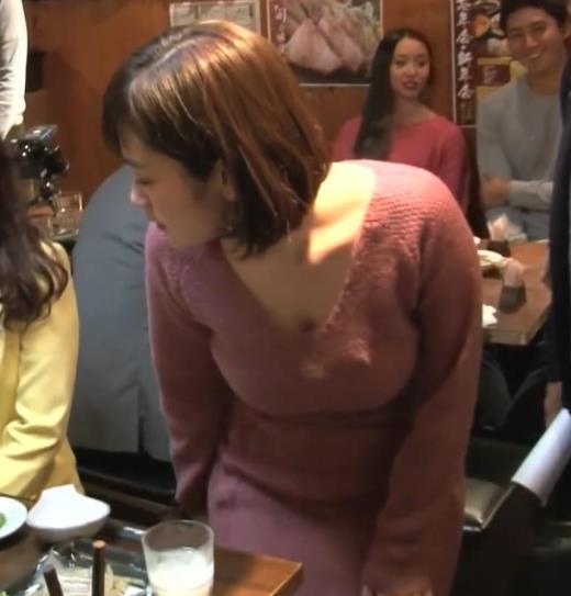筧美和子 宝くじのCMのメイキングはさらにエロいキャプ画像(エロ・アイコラ画像)