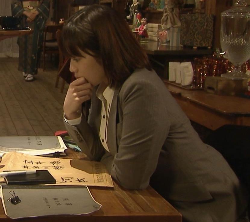 筧美和子 サスペンスドラマでの着衣おっぱいキャプ・エロ画像14