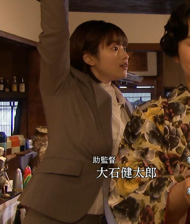 筧美和子 サスペンスドラマでの着衣おっぱいキャプ・エロ画像18