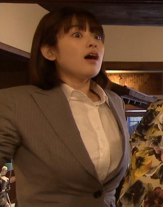 筧美和子 サスペンスドラマでの着衣おっぱいキャプ・エロ画像19
