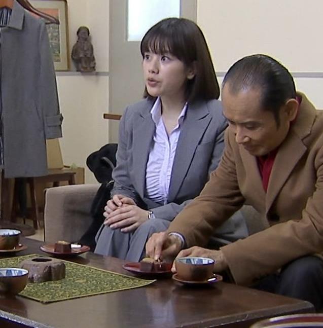 筧美和子 サスペンスドラマでの着衣おっぱいキャプ・エロ画像3