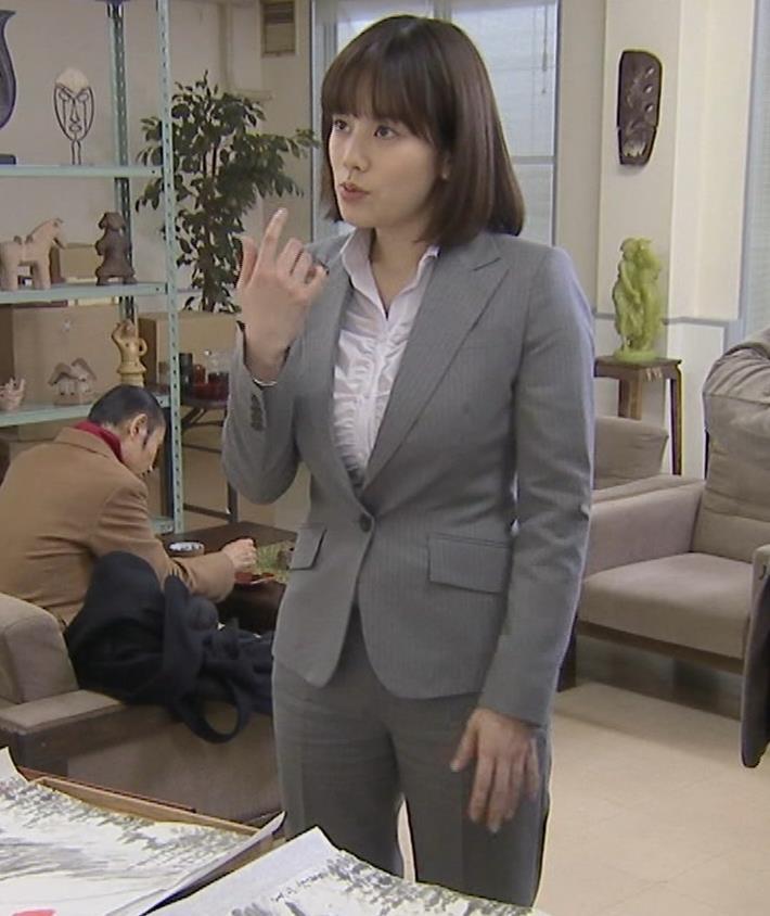 筧美和子 サスペンスドラマでの着衣おっぱいキャプ・エロ画像6