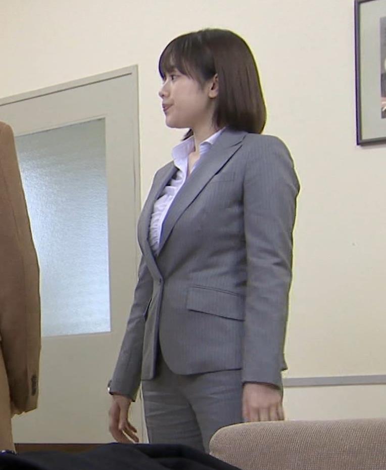 筧美和子 サスペンスドラマでの着衣おっぱいキャプ・エロ画像9