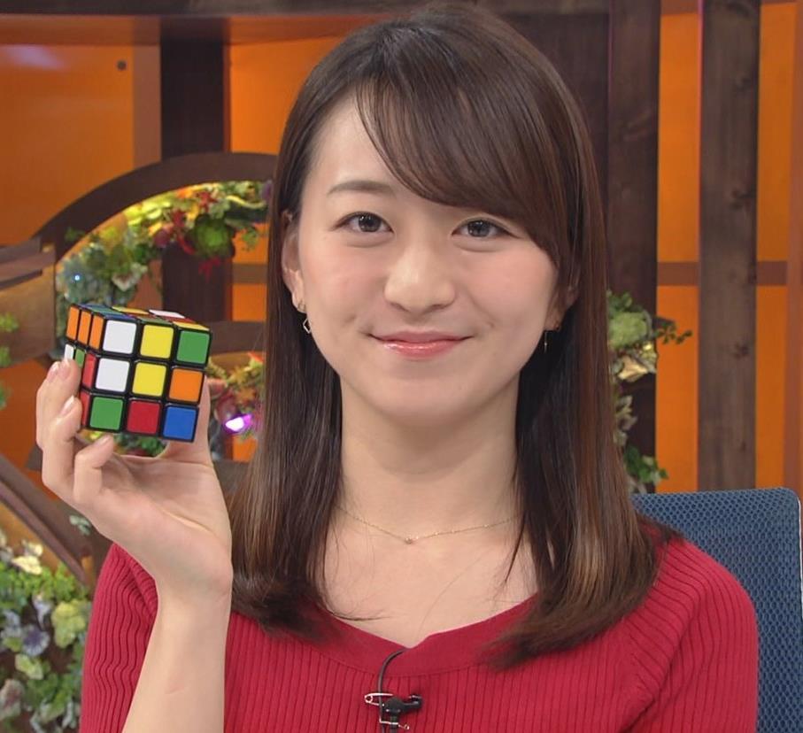 片渕茜アナ ニット乳キャプ・エロ画像2