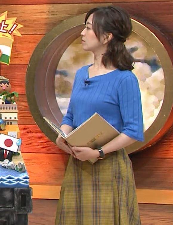 片淵茜アナ 横乳でデカいのがよくわかるキャプ・エロ画像