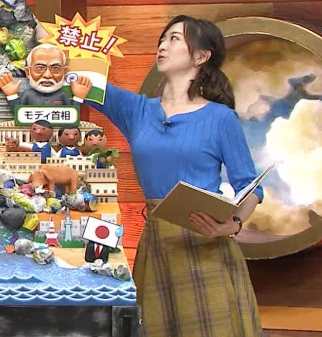片淵茜アナ 横乳でデカいのがよくわかるキャプ・エロ画像4