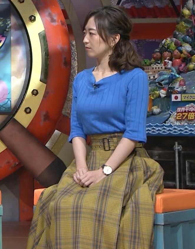 片淵茜アナ 横乳でデカいのがよくわかるキャプ・エロ画像9