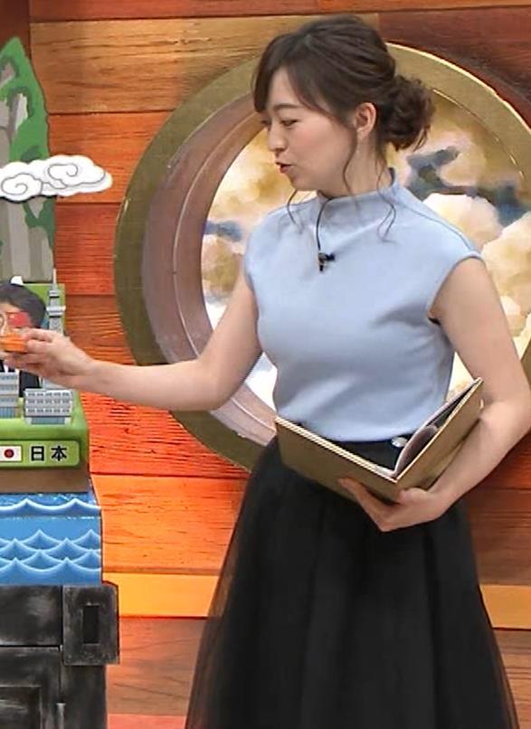 片渕茜アナ 巨乳ノースリーブからインナーちらりキャプ・エロ画像5