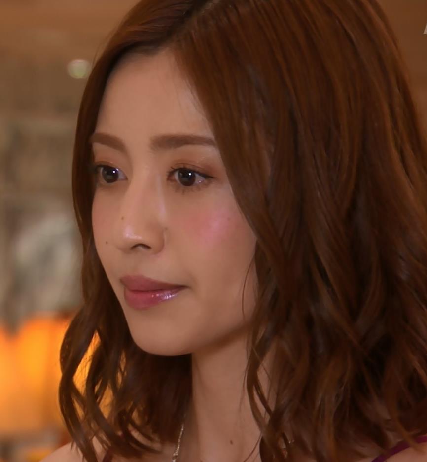 片瀬那奈 ホステス役のエロドレスキャプ・エロ画像4