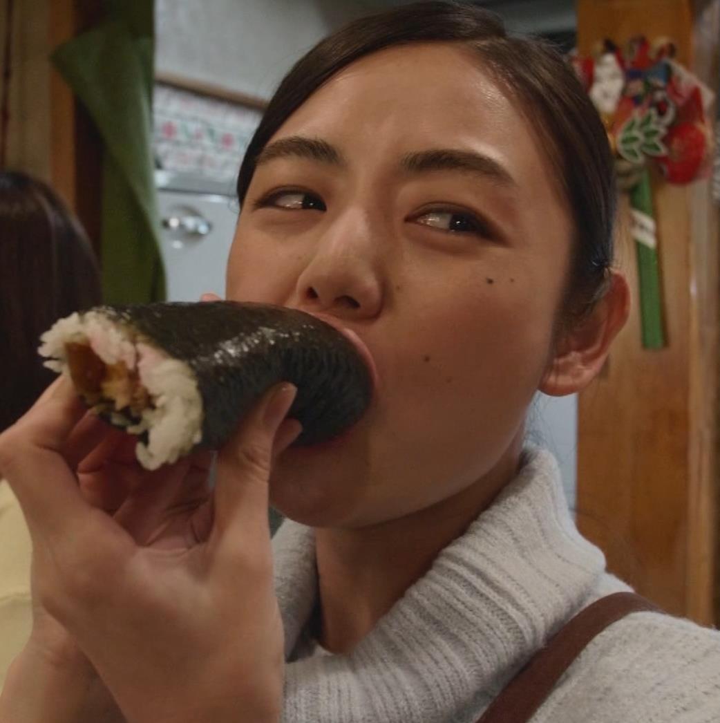 片山萌美 「居酒屋ぼったくり」ニット横乳などキャプ・エロ画像14